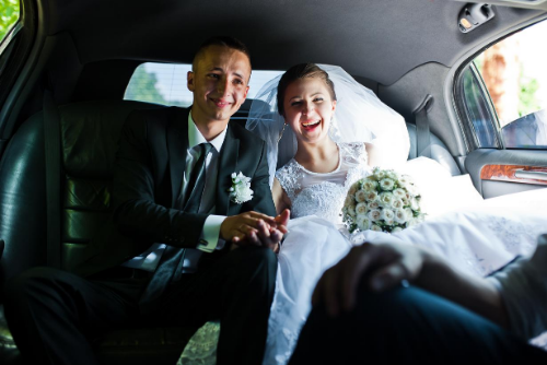 Enhance Your Wedding Day by Hiring a Limousine and a Limo Driver